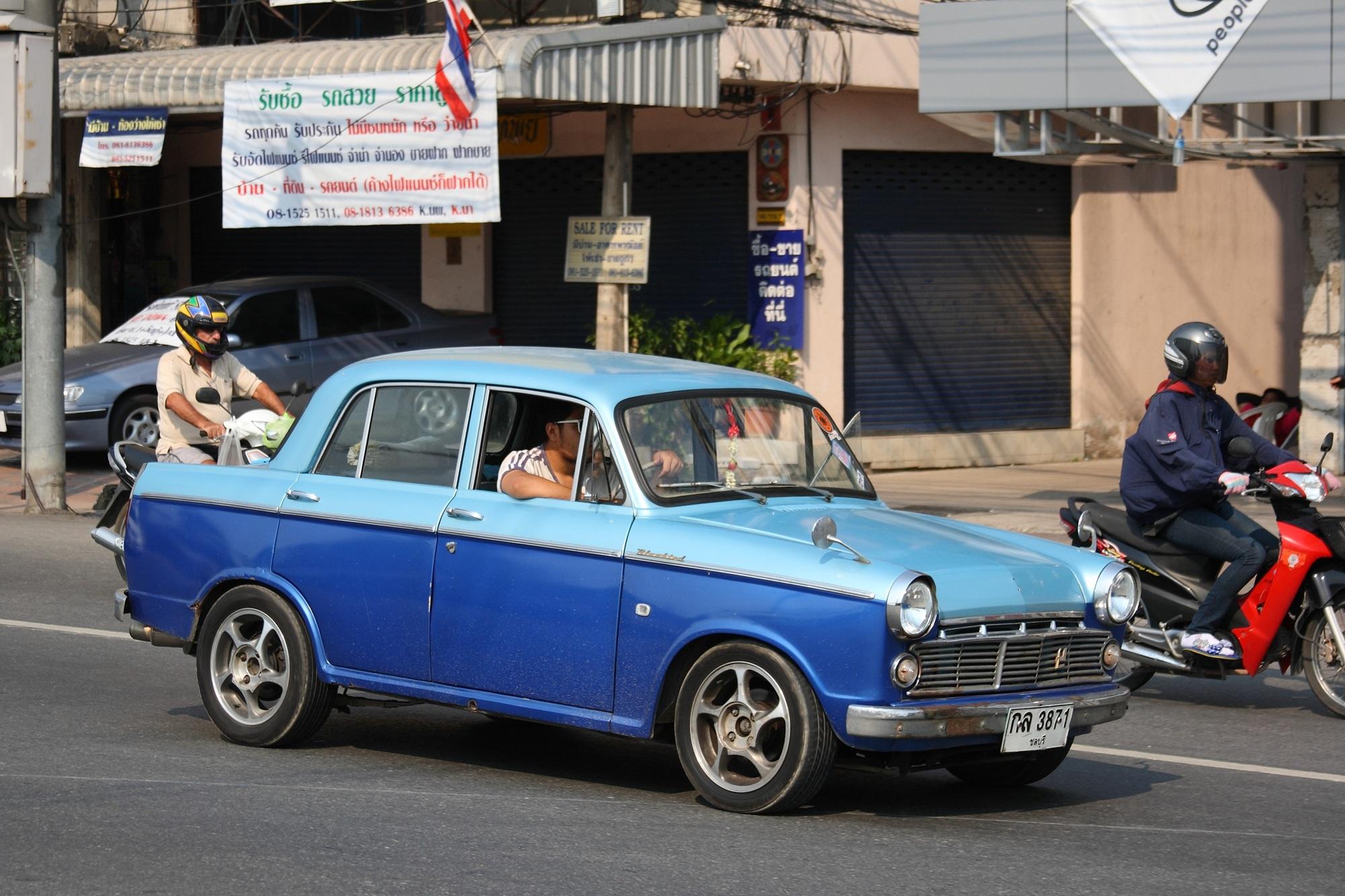 File:Datsun Bluebird in Pattaya.JPG - Wikimedia Commons