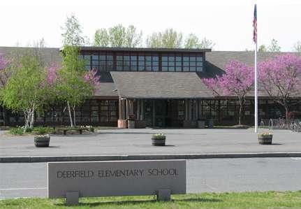 external image Deerfield_Elementary_School_Front.JPG