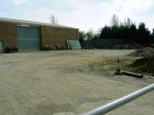 File:Depot next to Beadlow - geograph.org.uk - 393692.jpg