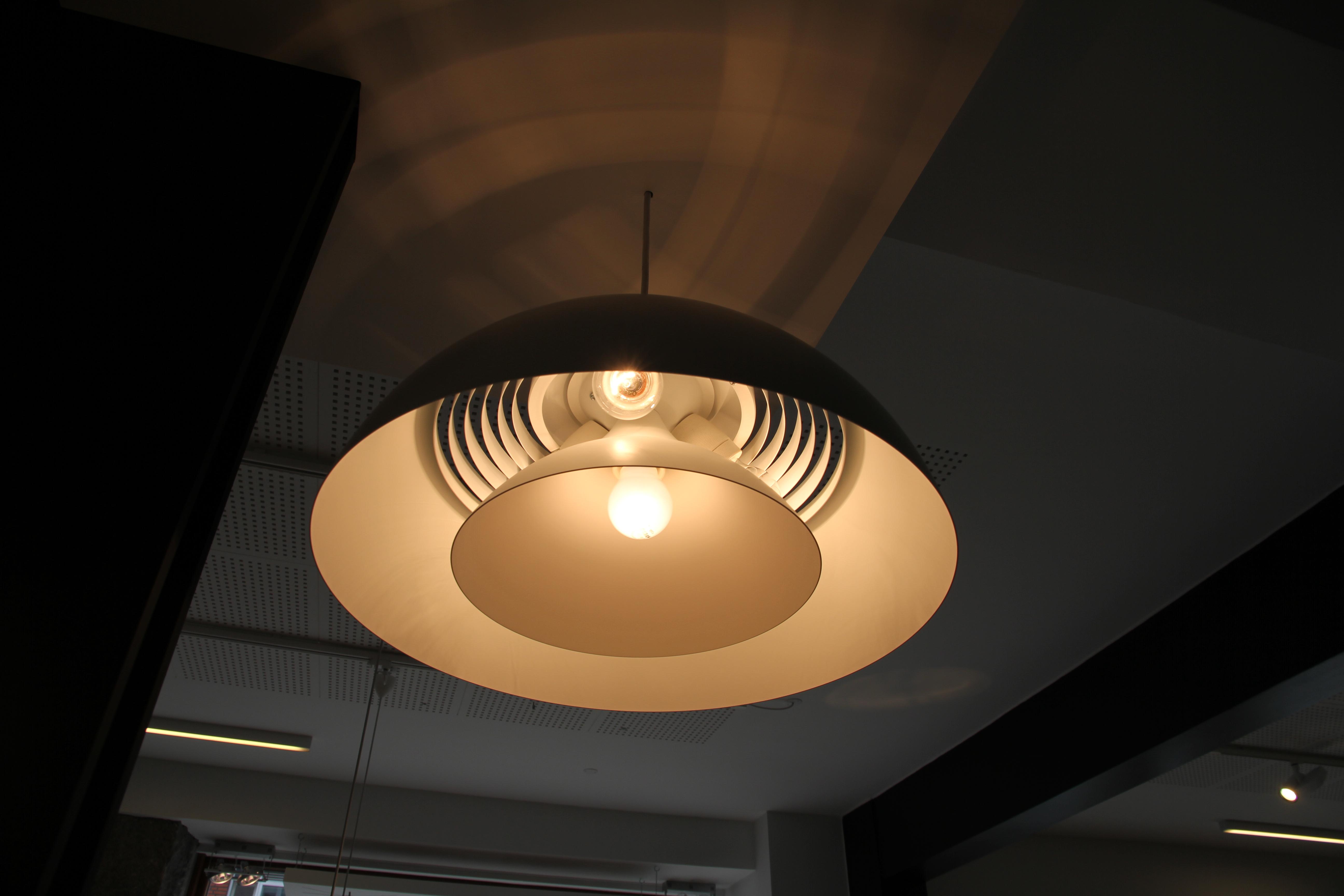 File:Design lampe.JPG - Wikimedia Commons