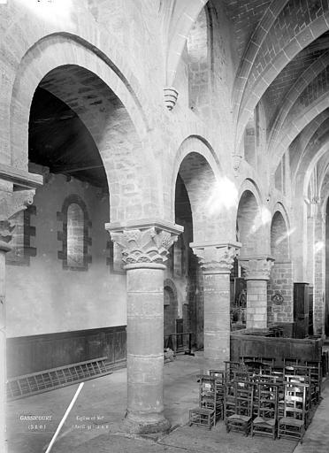 Vue intérieure de la nef et du bascôté nord  ManteslaJolie