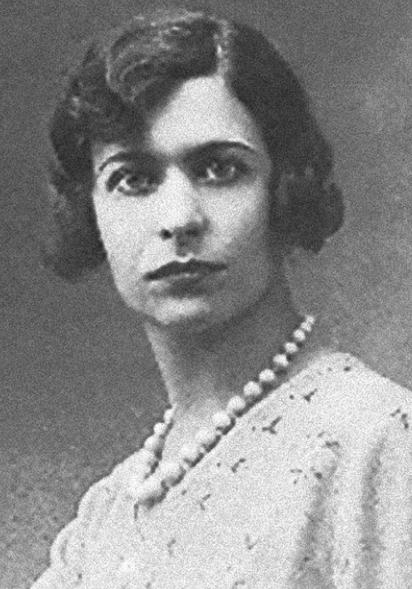 File:Elena Ferrari 1920s.png
