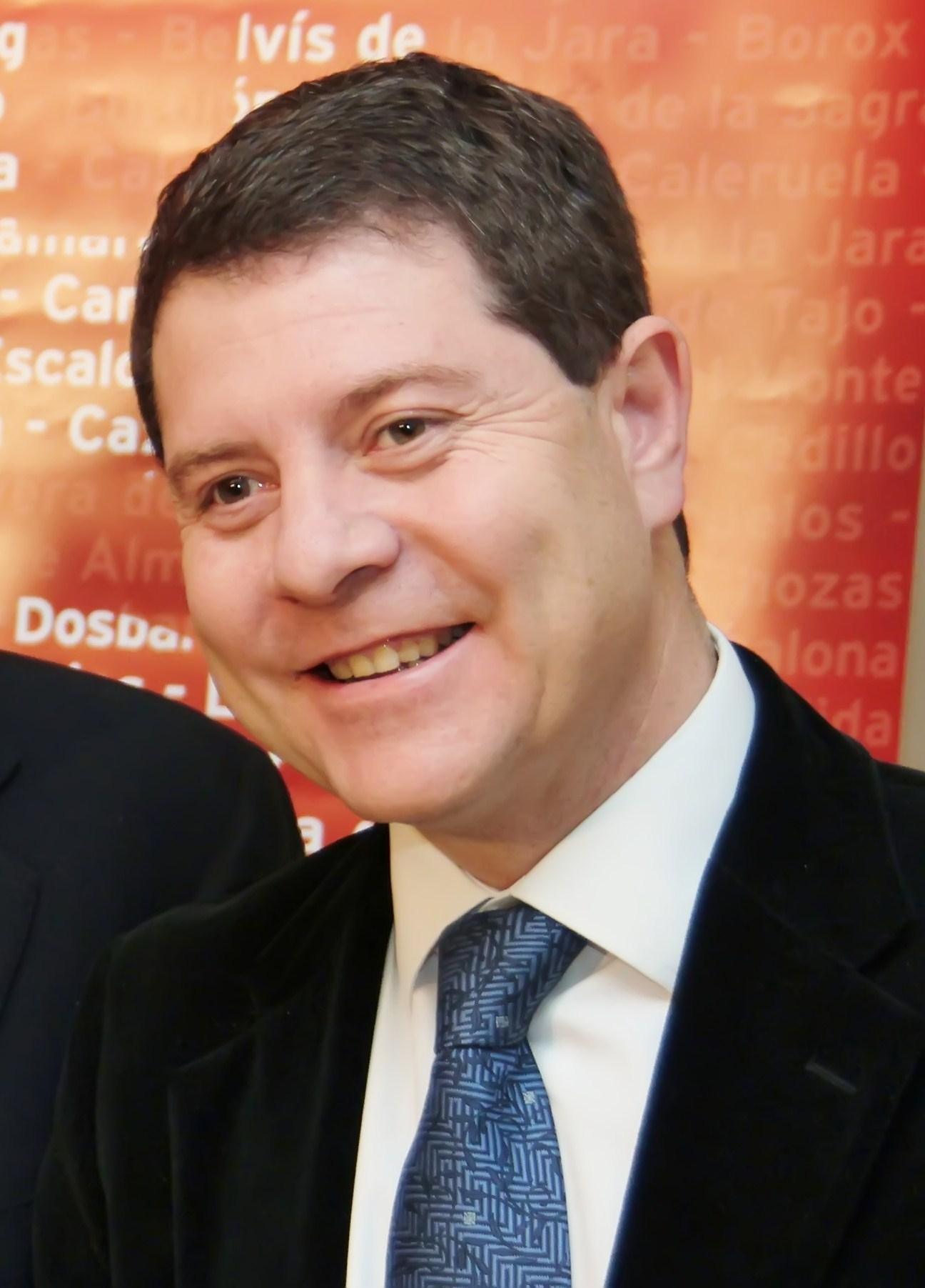 File:Emiliano García-Page en Toledo durante la campaña de Alfredo ...