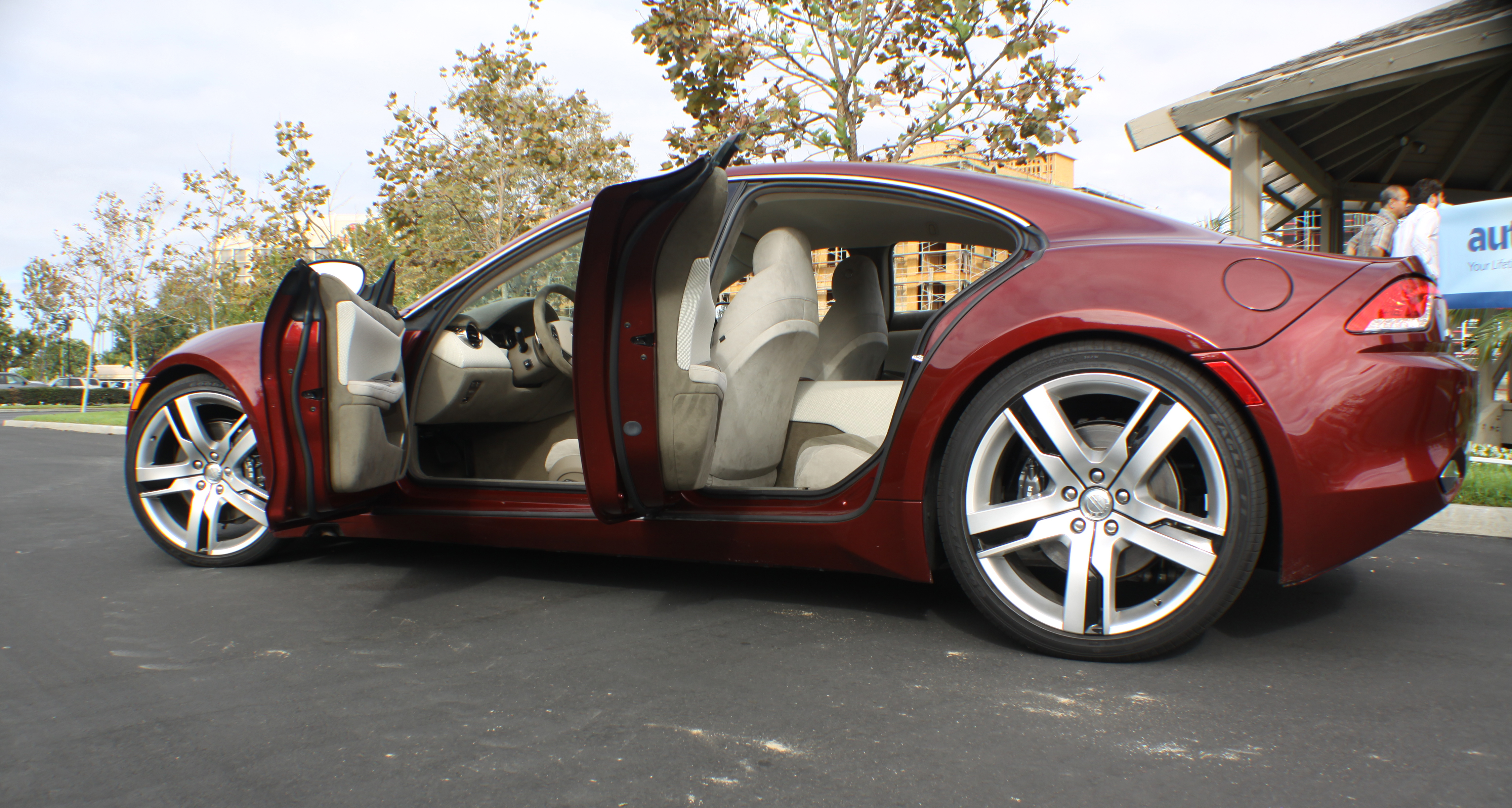 File Fisker Karma With 4 Doors Open Jpg Wikimedia Commons