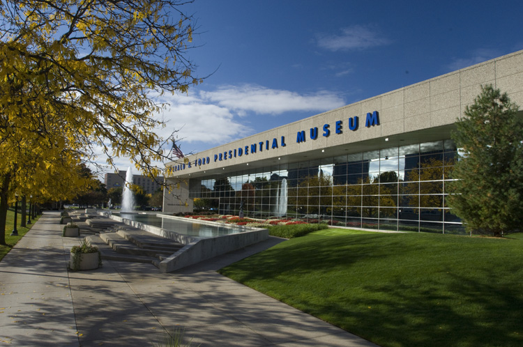 file:ford ford museum - wikimedia commons