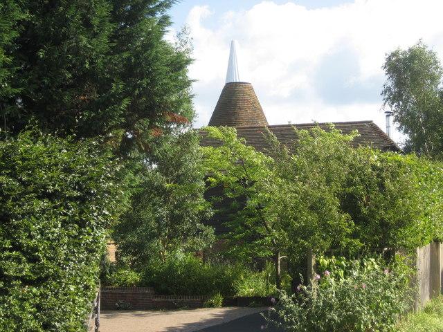 Gatehouse Oast, The Street, Sissinghurst, Cranbrook, Kent - geograph.org.uk - 483649
