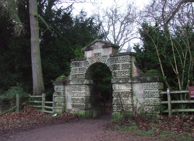 Gateway into the gardens, Clumber - geograph.org.uk - 653955