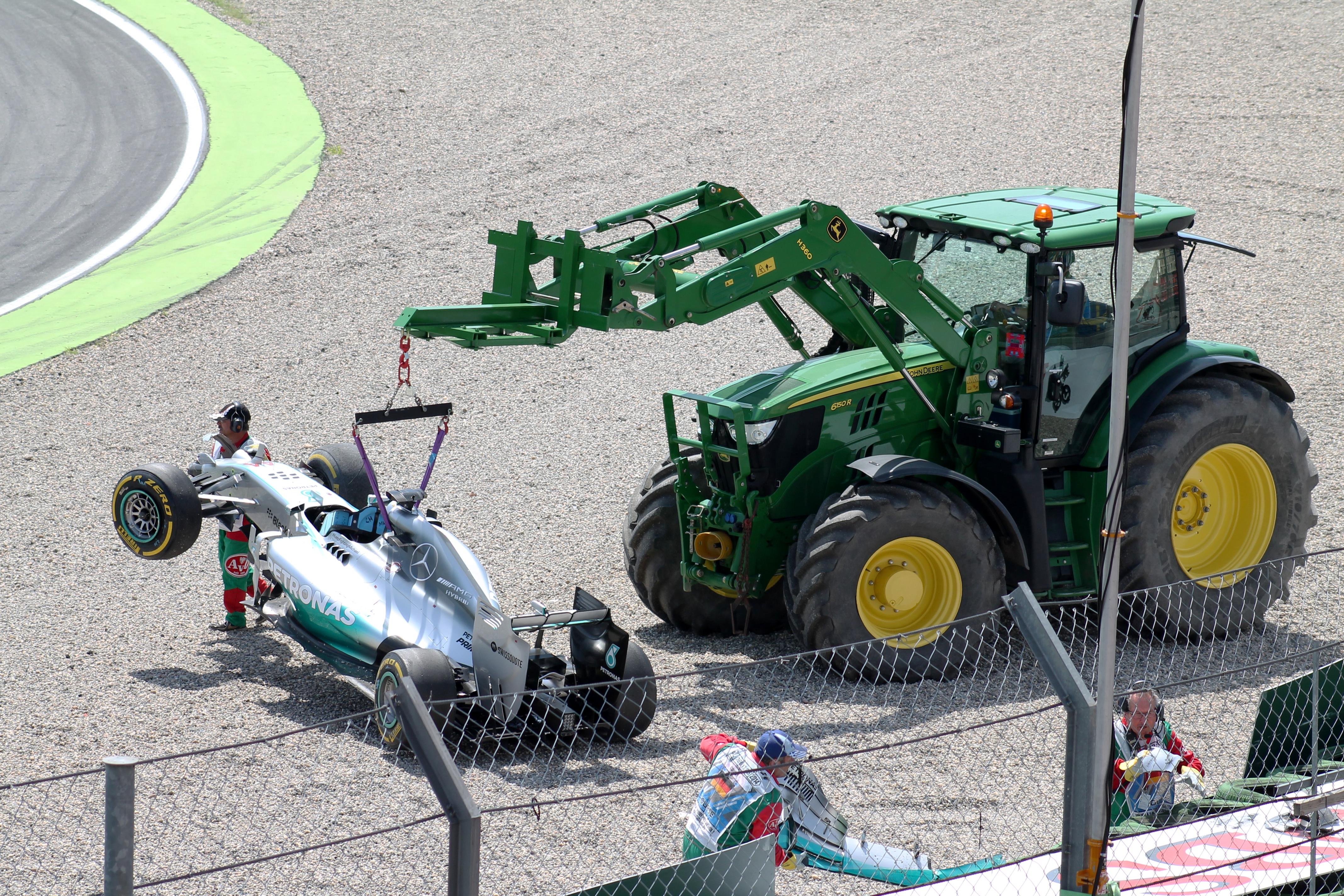 [Imagen: Hockenheim_2014_-_Hamilton_qualifying_crash.JPG]