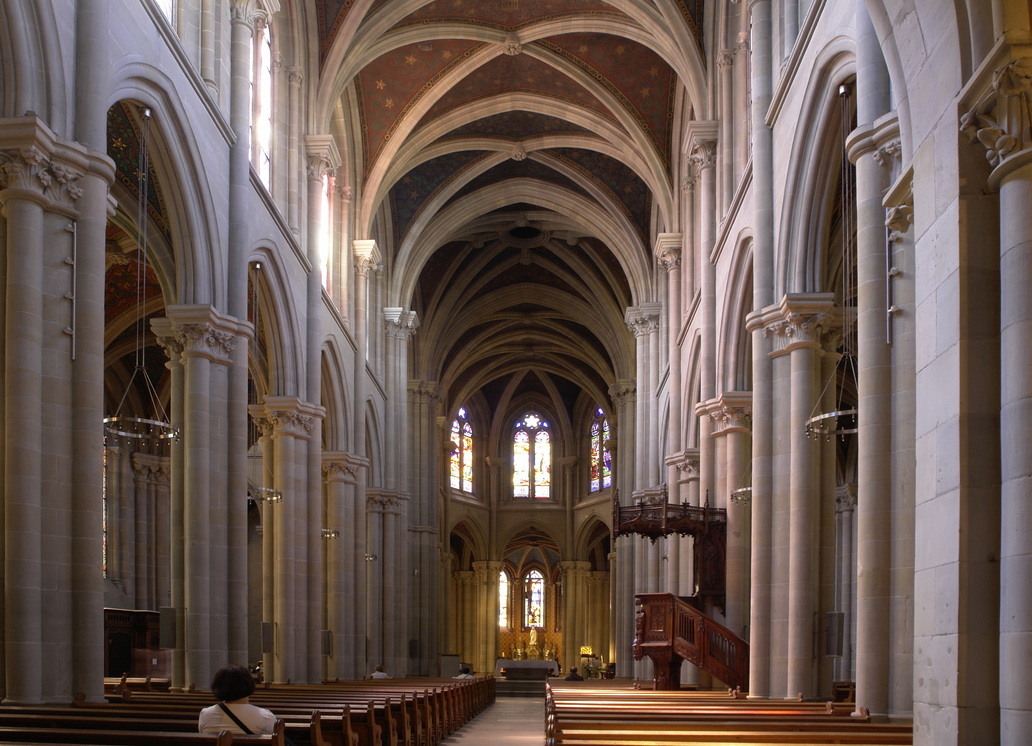 file interior of notre dame basilica in wikimedia commons. Black Bedroom Furniture Sets. Home Design Ideas