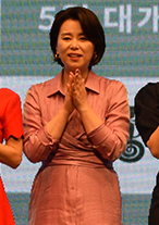 Jang Hye-jin at Parasite (film) event in 2019.jpg