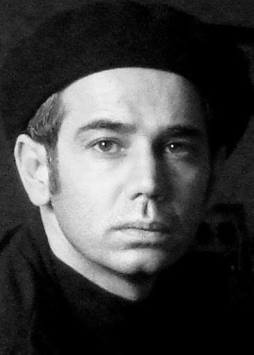 کیوان مقدم - ویکیپدیا، دانشنامهٔ آزاد