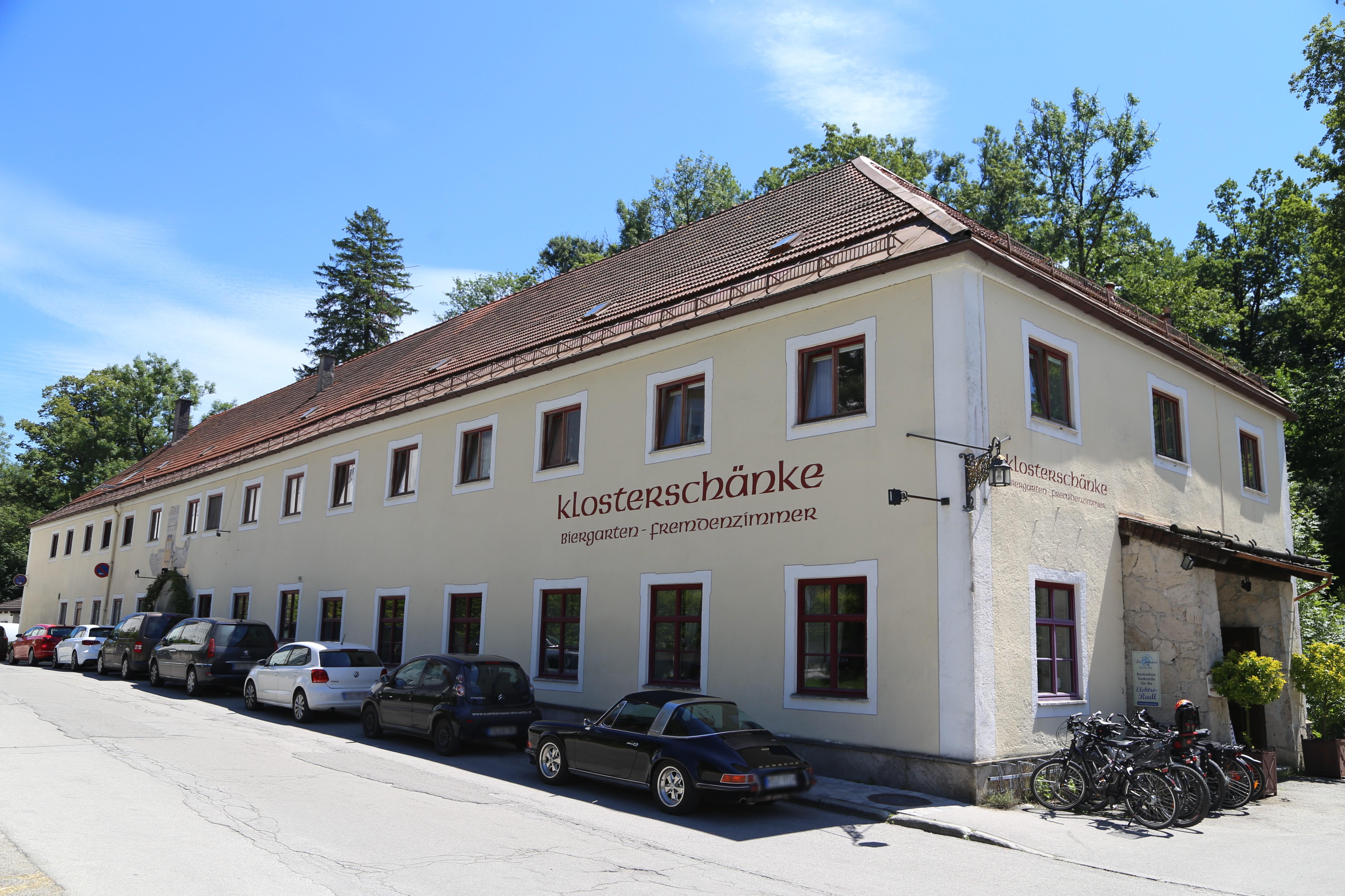 File:Klosterschaenke Dietramszell-2.jpg - Wikimedia Commons