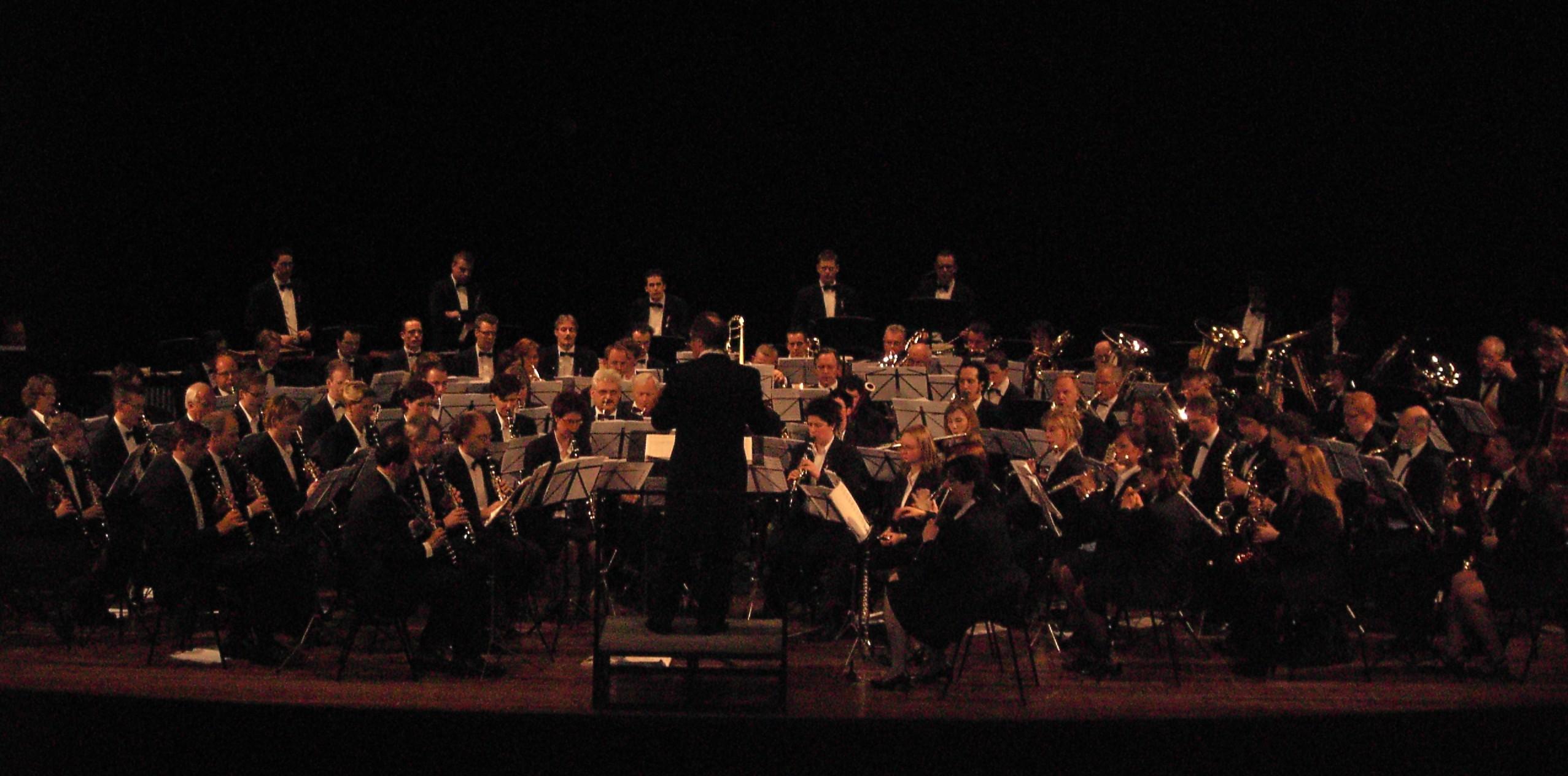 Koninklijke_Harmonie_van_Thorn_20080501.JPG