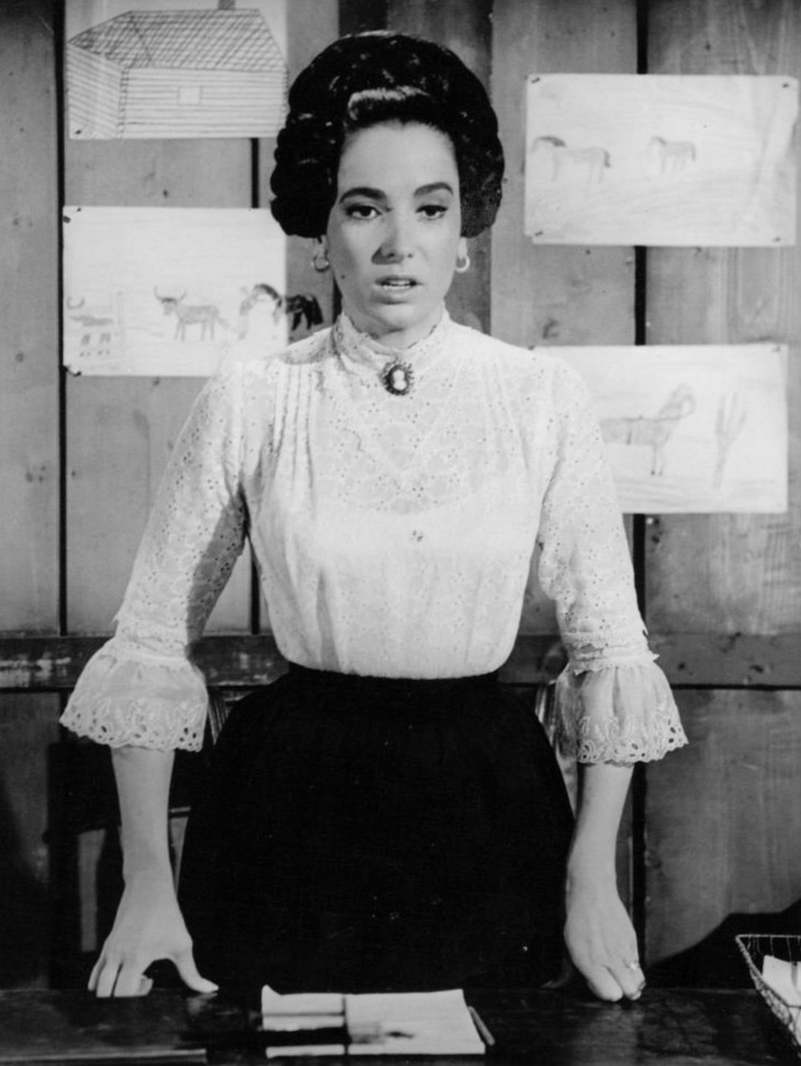 File:Linda Cristal The High Chaparral.jpg - Wikimedia Commons