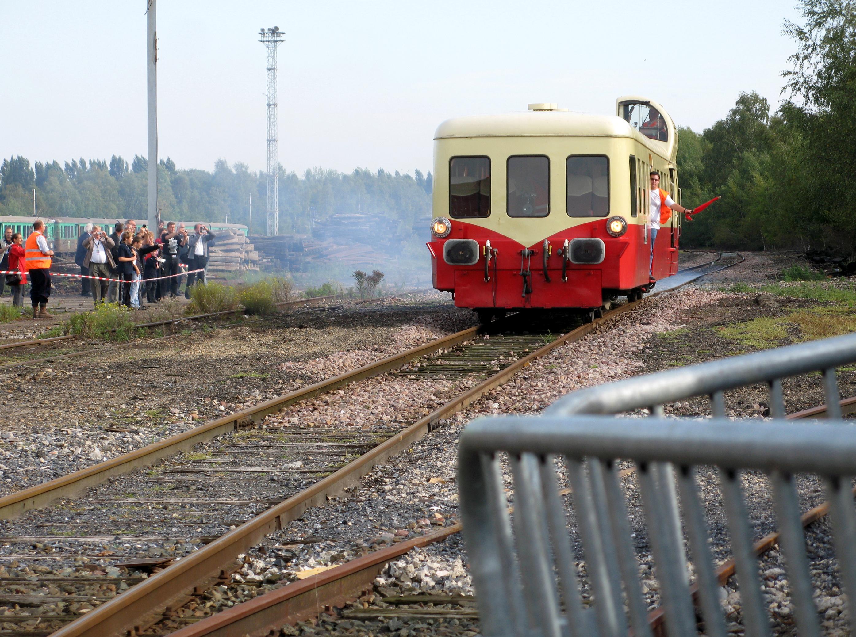 Exposition train réel et objets historique SNCF Longueau 5 et 6 octobre 2013 Longueau_%283_octobre_2010%29_F%C3%AAte_du_rail_031