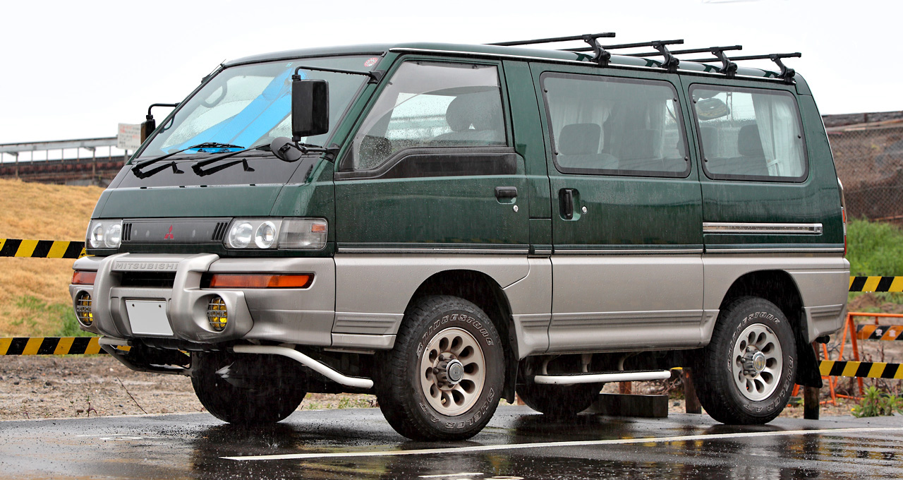 Mitsubishi Delica Star Wagon (Japan, facelift)