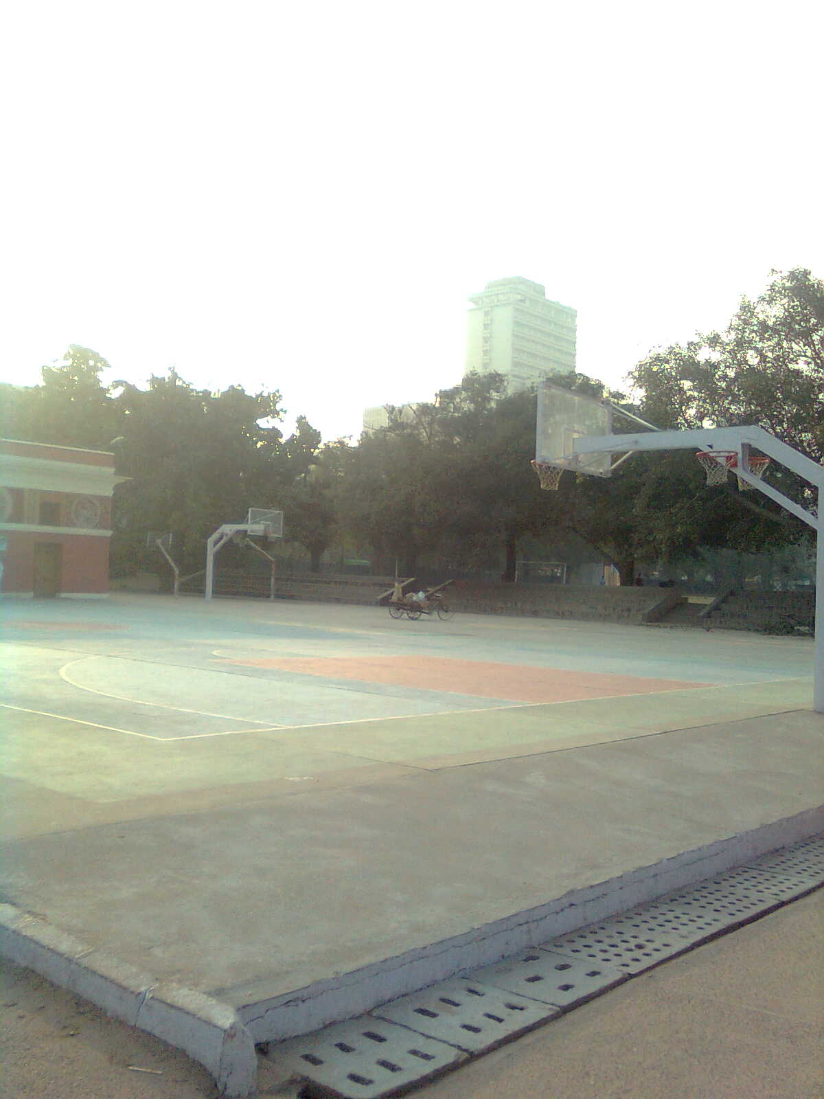 Modern School Barakhamba Road Classroom : Pin basketball court size in meters on pinterest