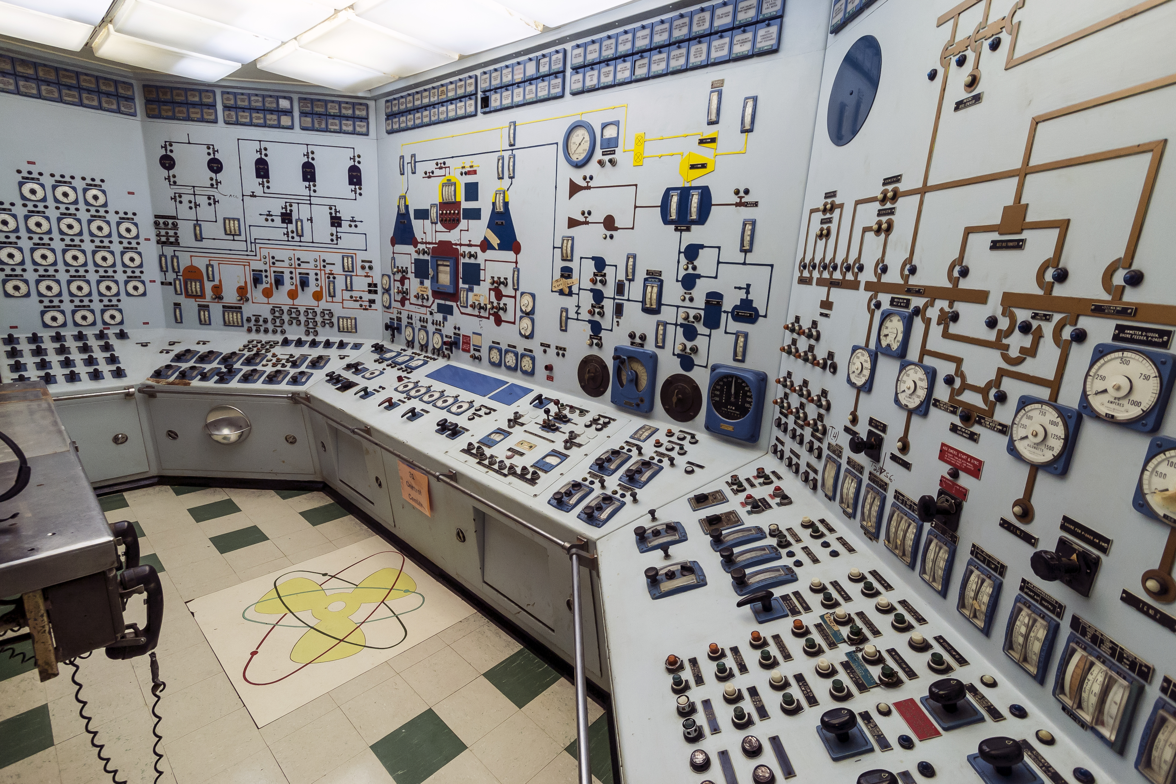 File:NS Savannah control room MD1.jpg - Wikimedia Commons