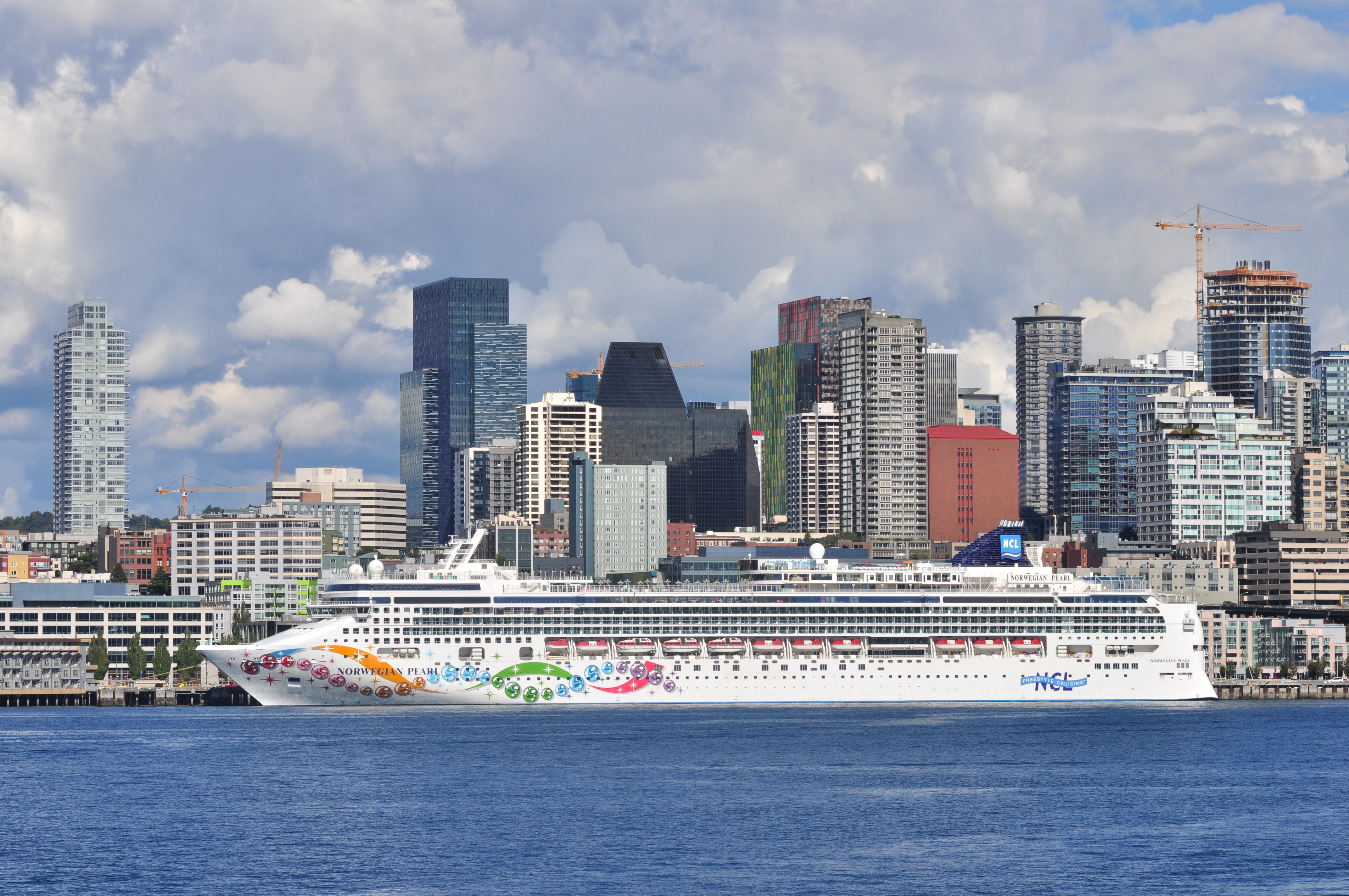 File Norwegian Pearl At Seattle 02 Jpg Wikimedia Commons