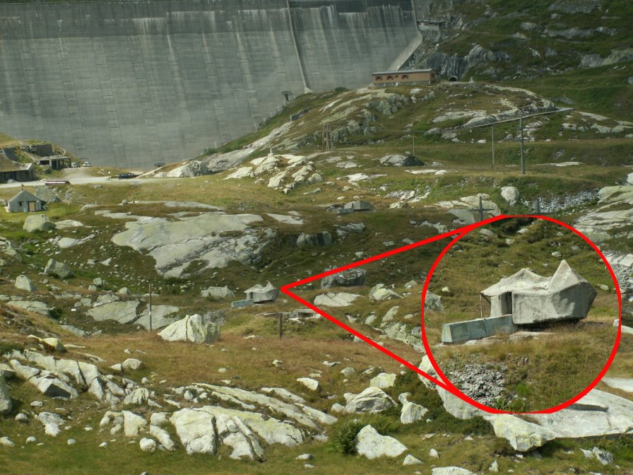 岩に隠れたトーチカ : 永世中立国スイスの知られざる軍事施設【トーチカ】【隠し基地】 - NAV