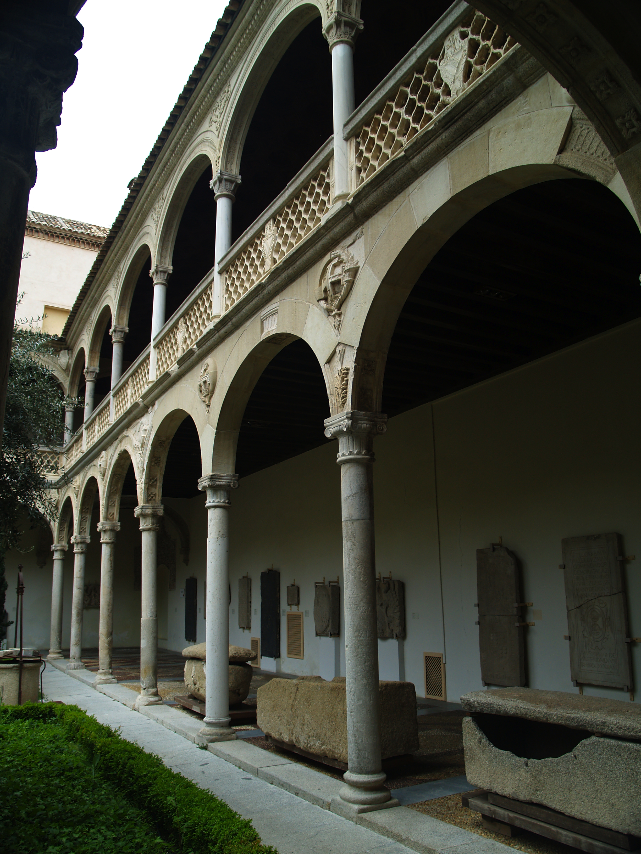 Museo De Santa Cruz.File Patio Museo De Santa Cruz 08 Jpg Wikimedia Commons