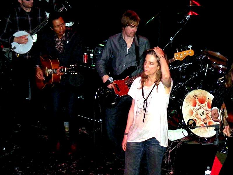 File:Patti Smith performing at Bowery Ballroom, New York City (6).jpg