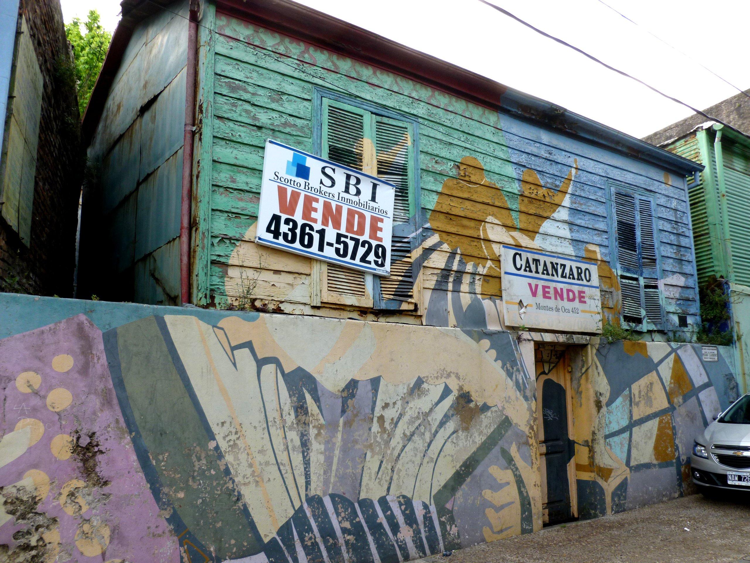 Mural en la casa donde nació Pedro Laurenz, La Boca, en la calle Garibaldi entre Olavarría y Lamadrid