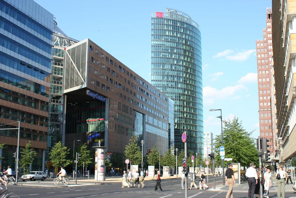 Potsdamer Platz Bank