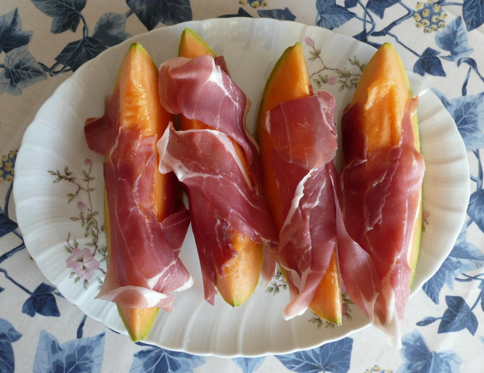 File:Prosciutto di Parma e melone.jpg - Wikipedia