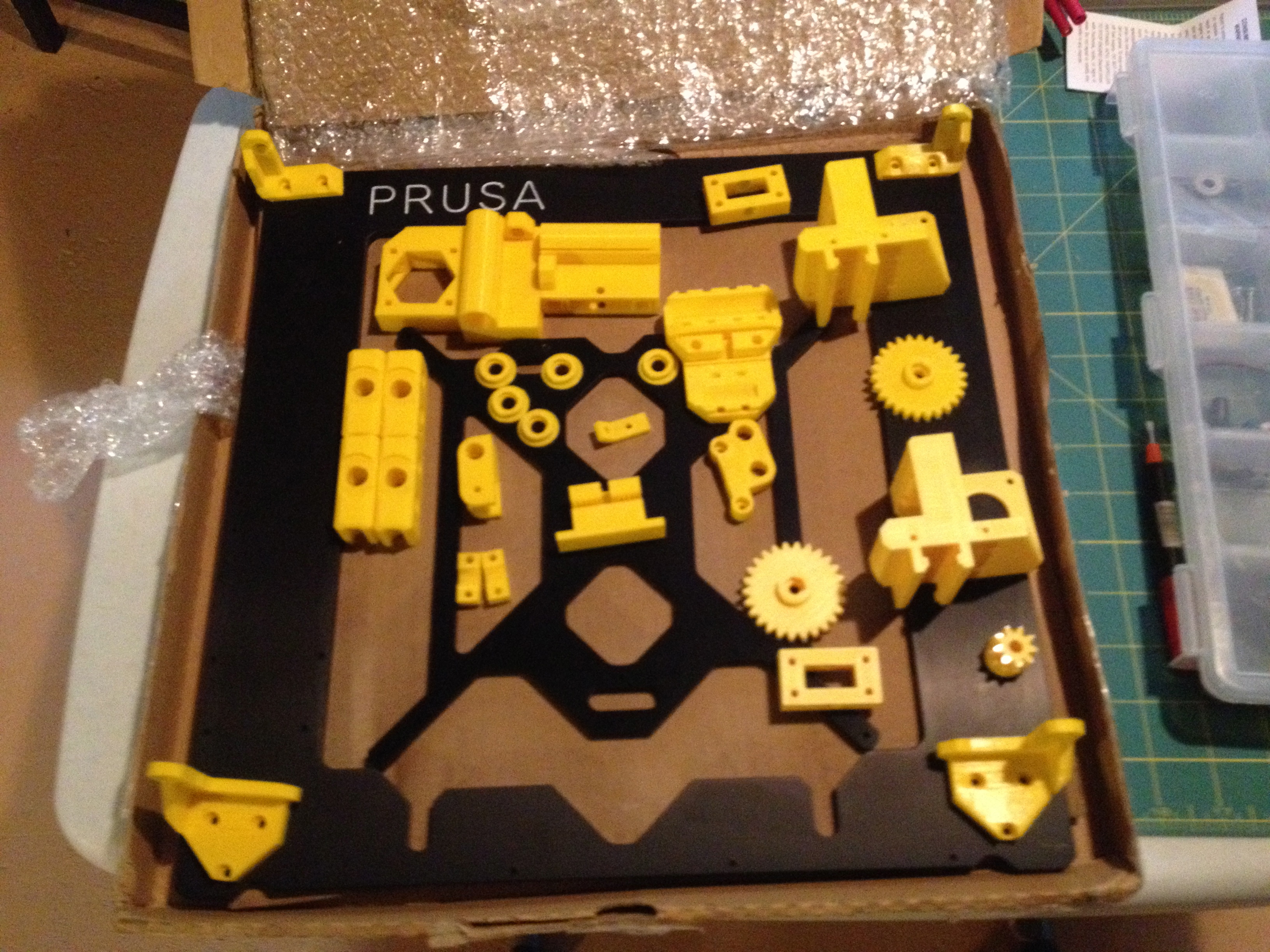 File:Prusa i3 Printer parts.jpg - Wikimedia Commons