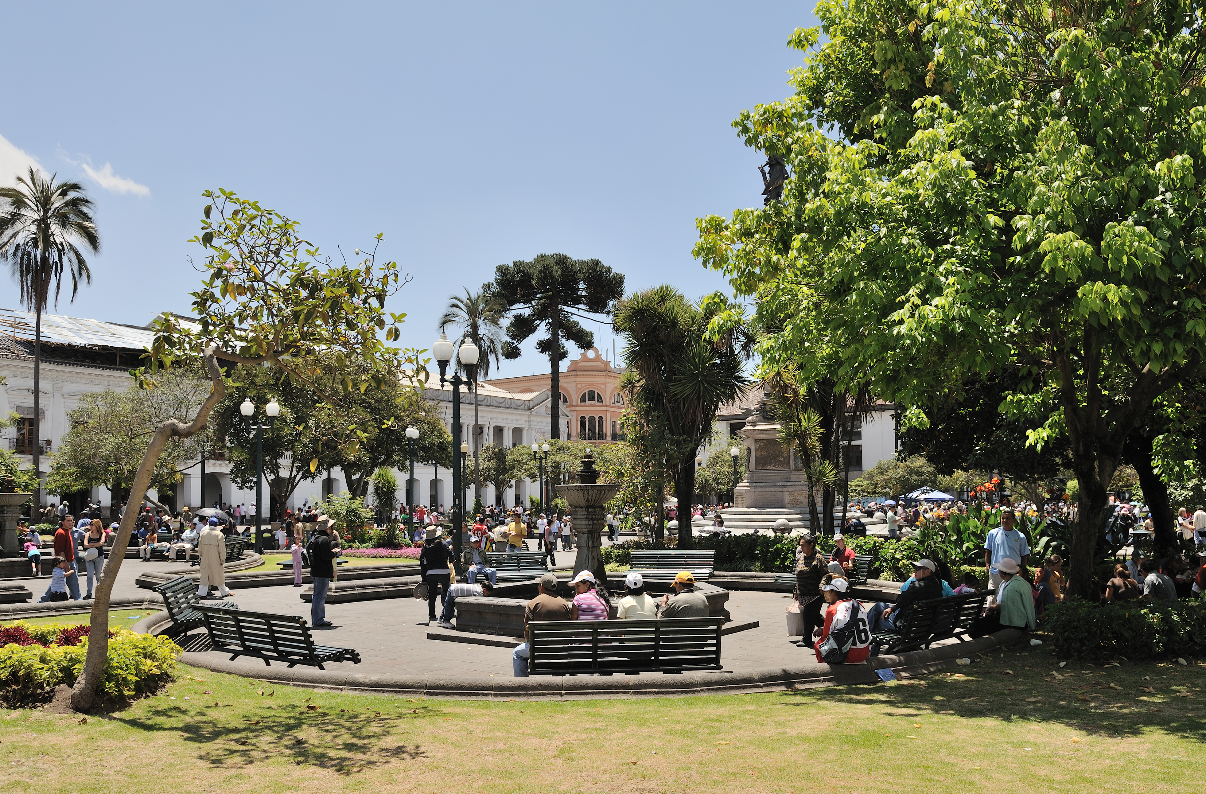 File Quito Plaza Independencia Jpg Wikimedia Commons