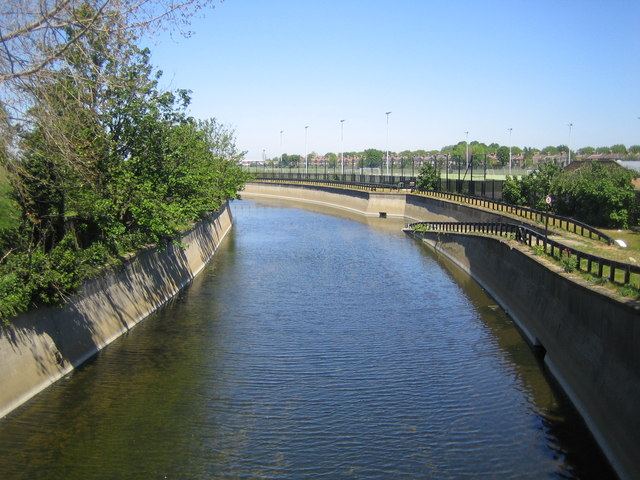 File:River Lee Flood Relief Channel in Walthamstow ...