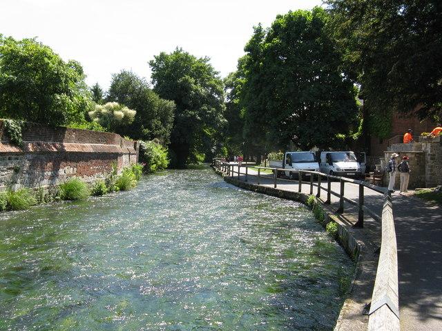Riverside walk, Winchester - geograph.org.uk - 1338750