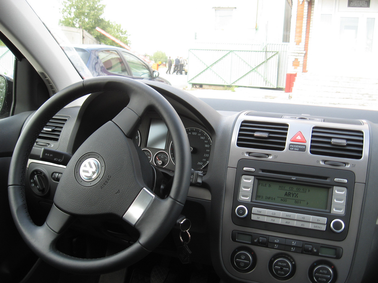 File russian vw golf wikimedia commons for Golf 5 interieur 2008