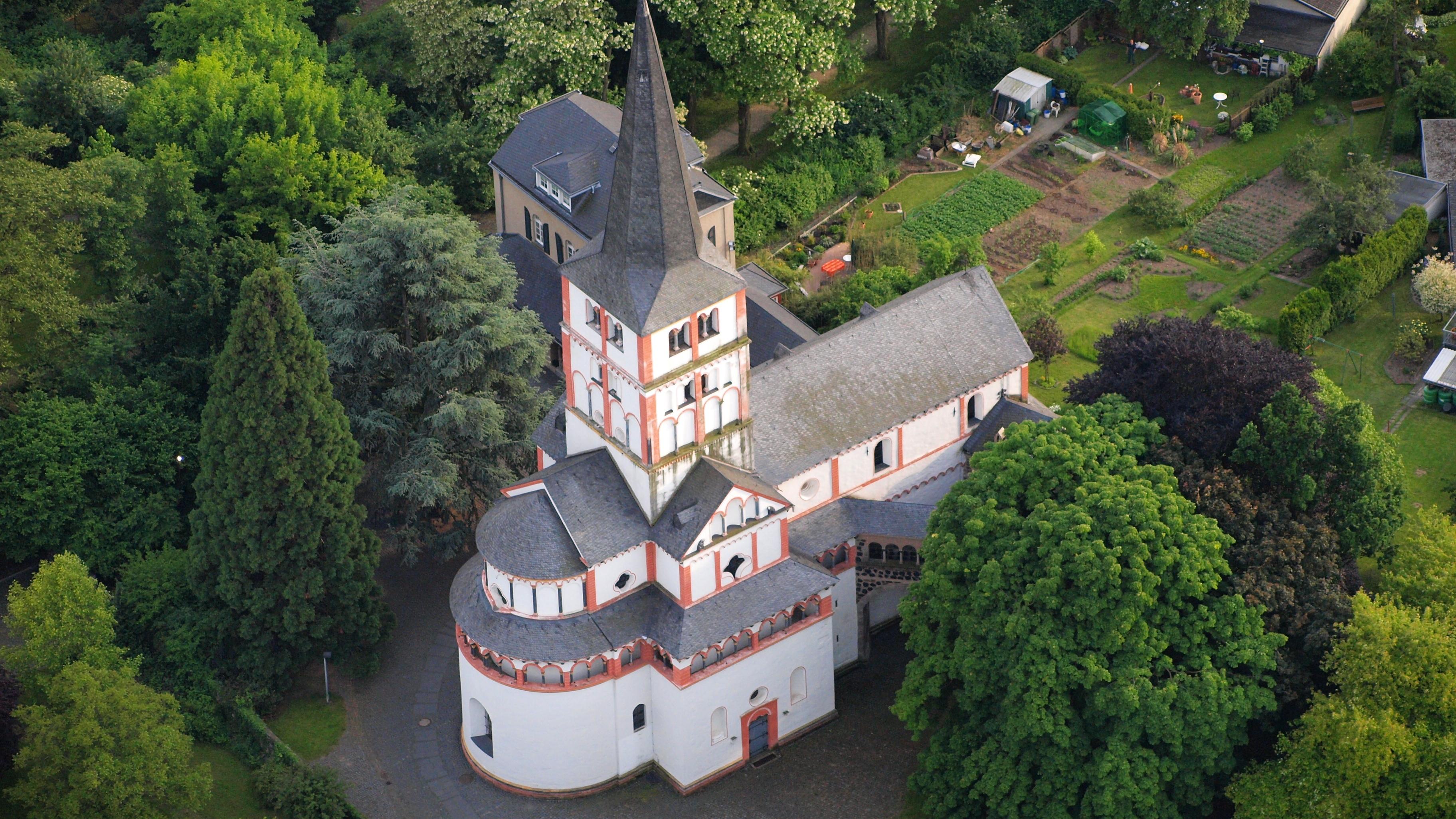 Schwarzrheindorf - St Maria und Clemens.jpg