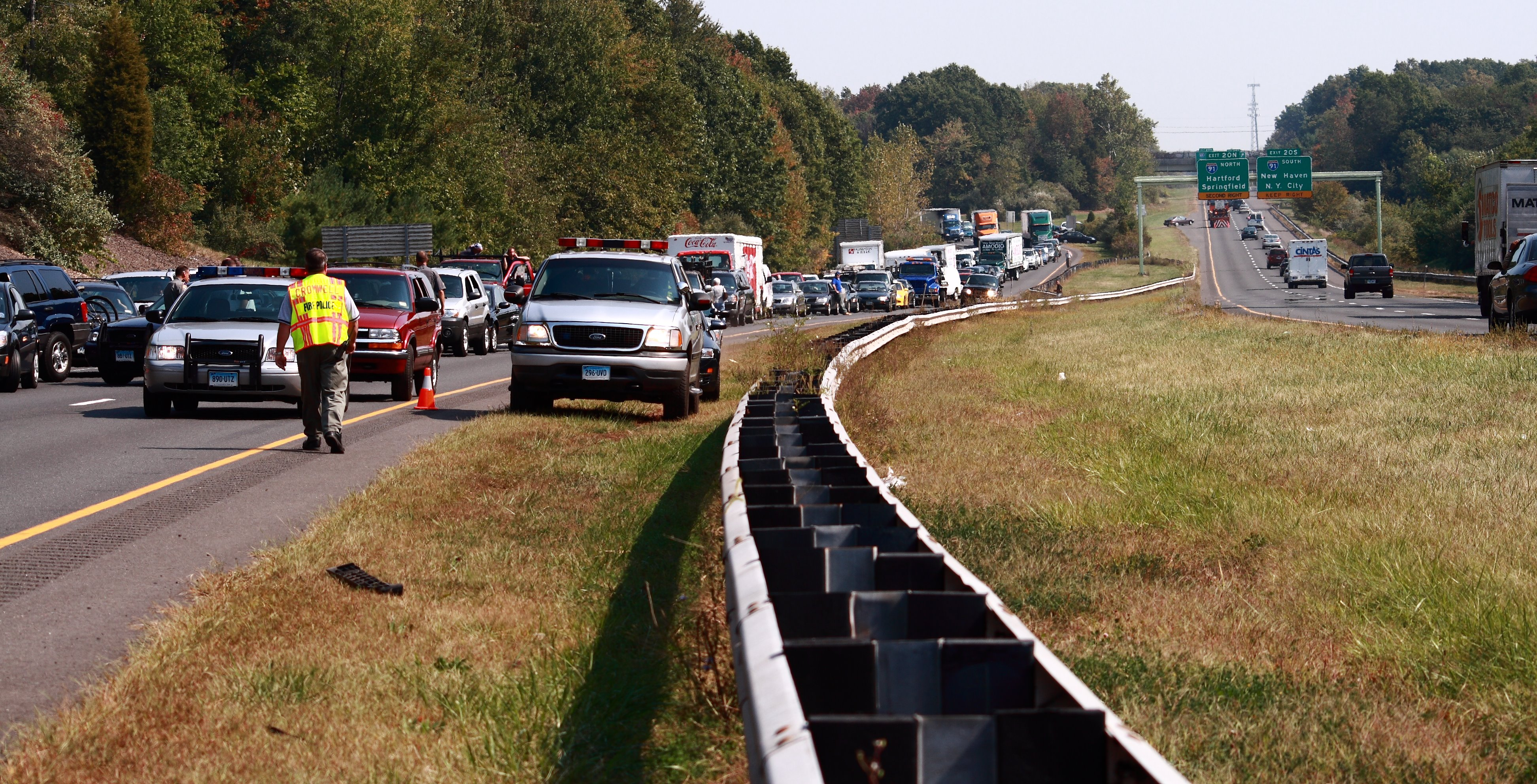 File:September 26, 2007 accident, highway 9, CT, traffic jpg