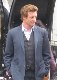 Simon Baker als Patrick Jane op de set van The Mentalist