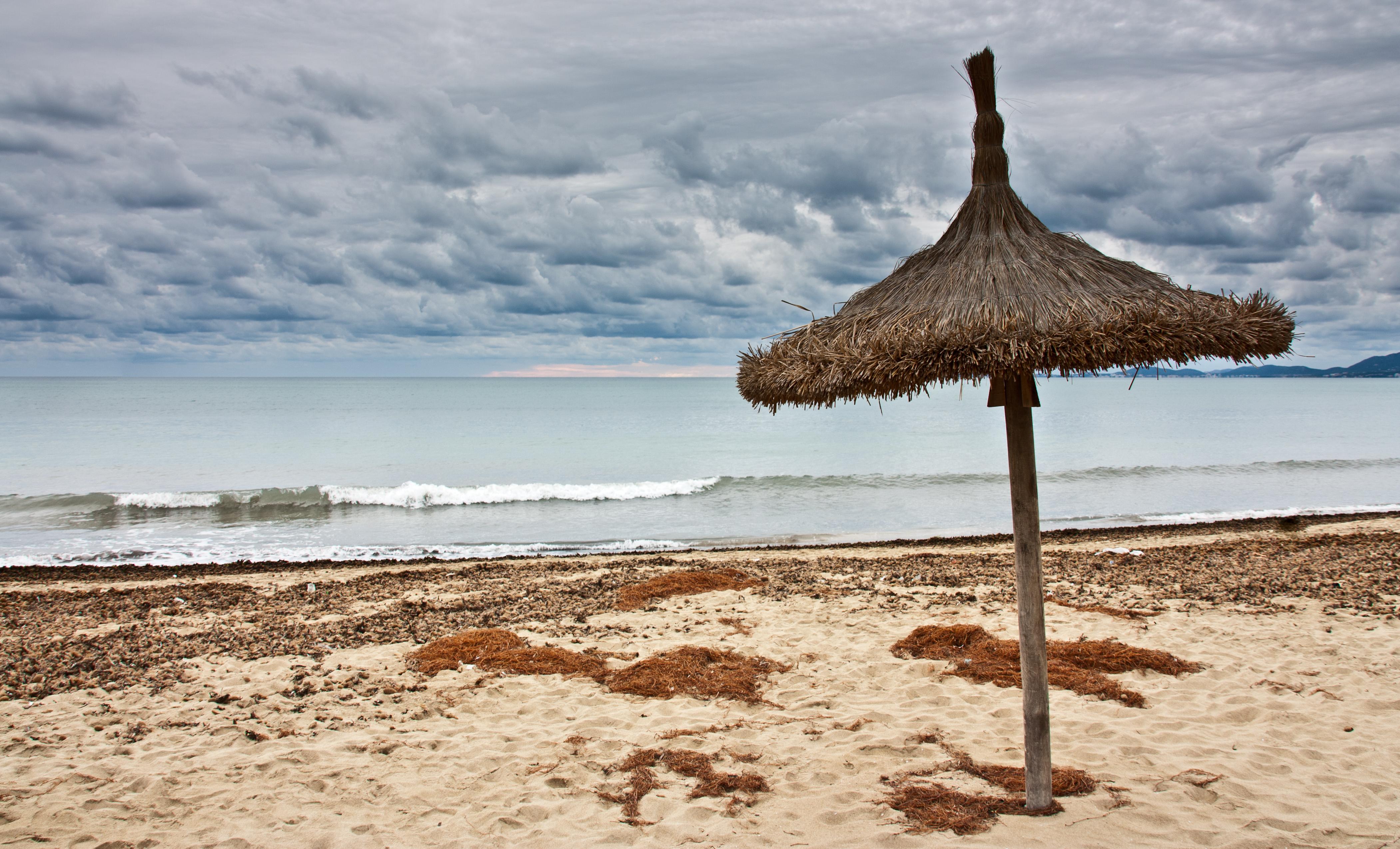 File sombrilla de playa 5197852580 jpg wikimedia commons - Sombrilla playa ...