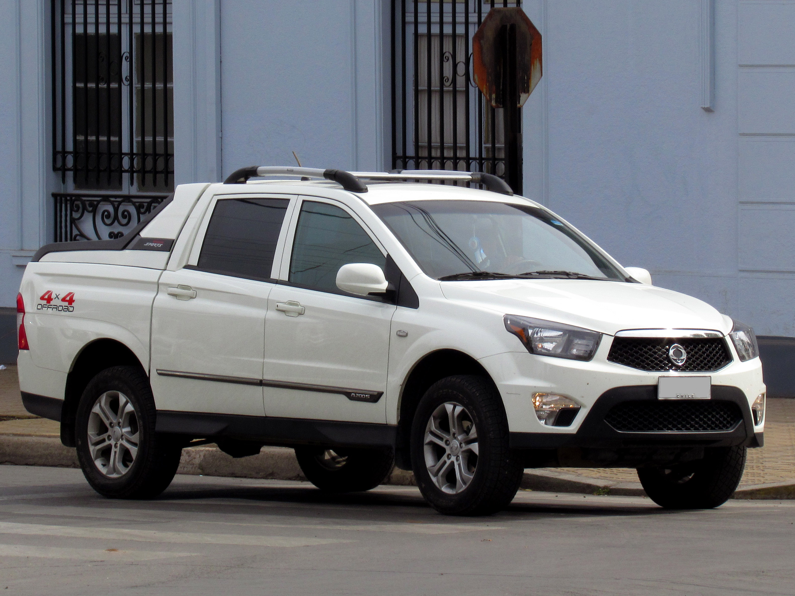 file ssangyong actyon sports a 200 s ax7 4wd 2014 14335886539 jpg wikimedia commons. Black Bedroom Furniture Sets. Home Design Ideas