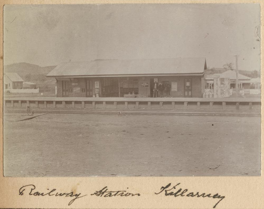 Killarney (Queensland) Australia  city pictures gallery : StateLibQld 1 241267 Killarney Railway Station Wikimedia ...