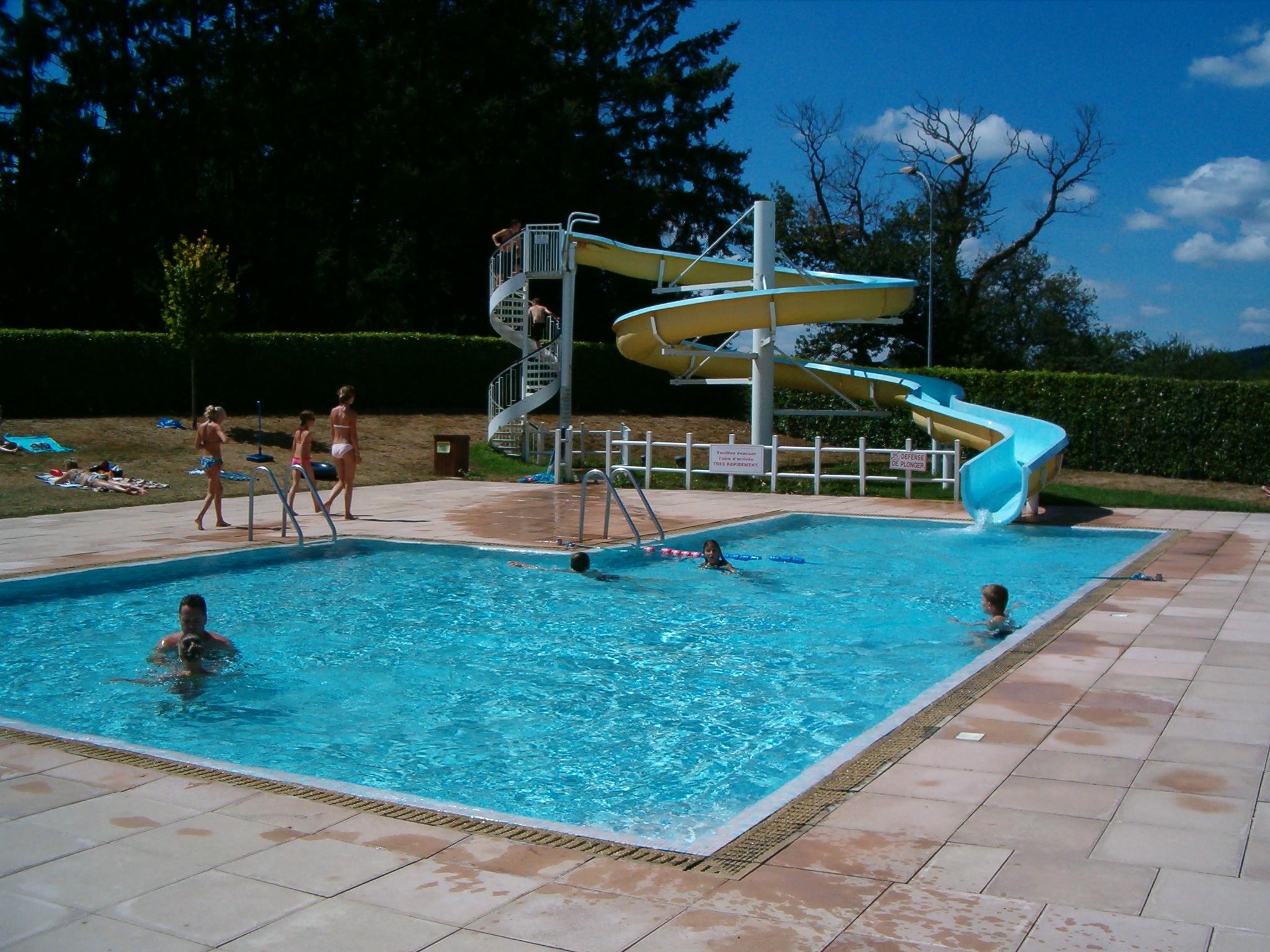file swimmingpool jpg wikimedia commons