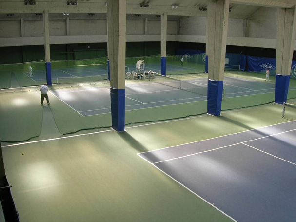 File tennis club de wikimedia commons for Club de tennis interieur saguenay