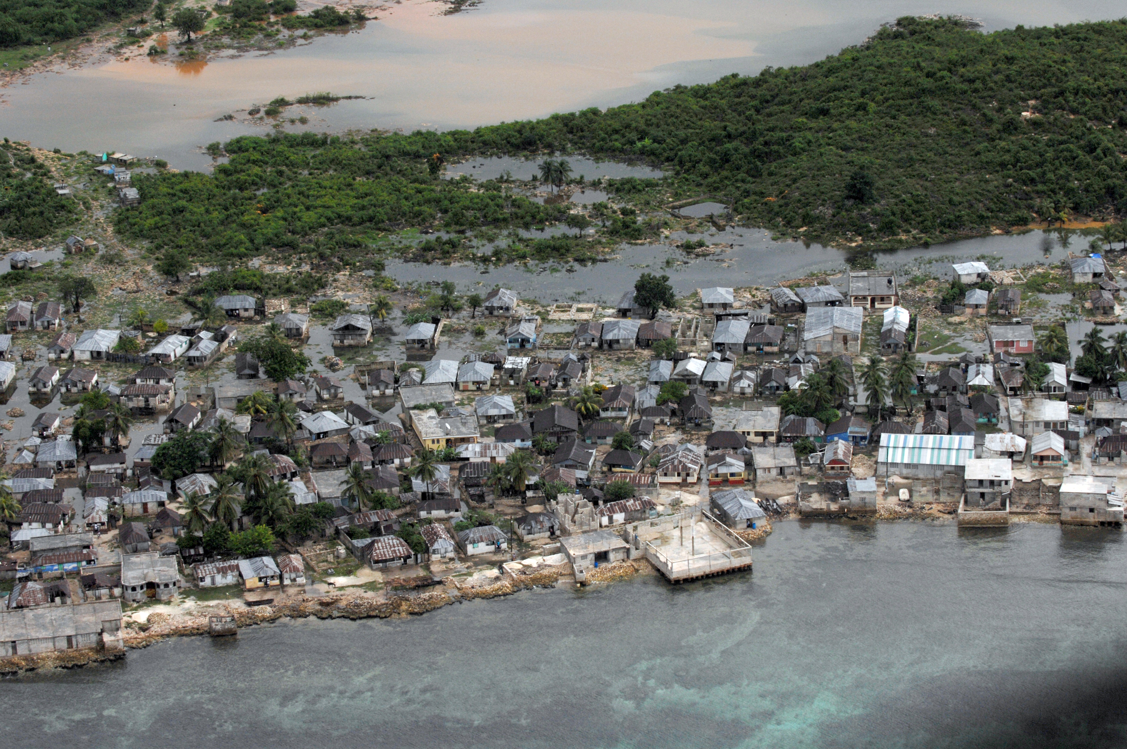 File:US Navy 080909-N-3595W-092 An aerial view of the ...