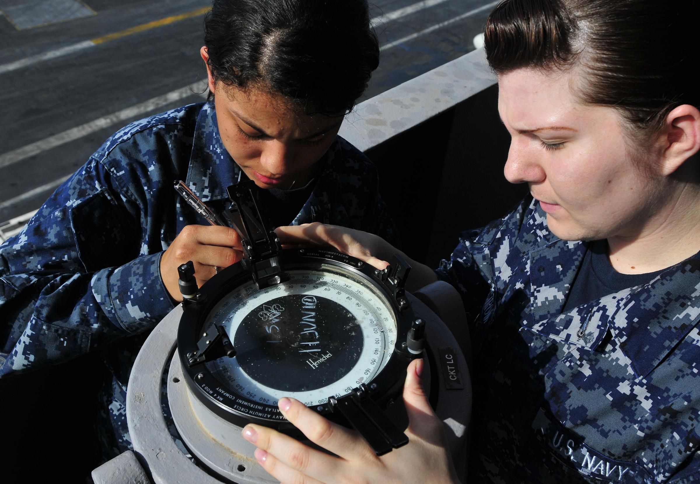 File:US Navy 100612-N-3595W-001 Quartermaster Seaman Gretel ...