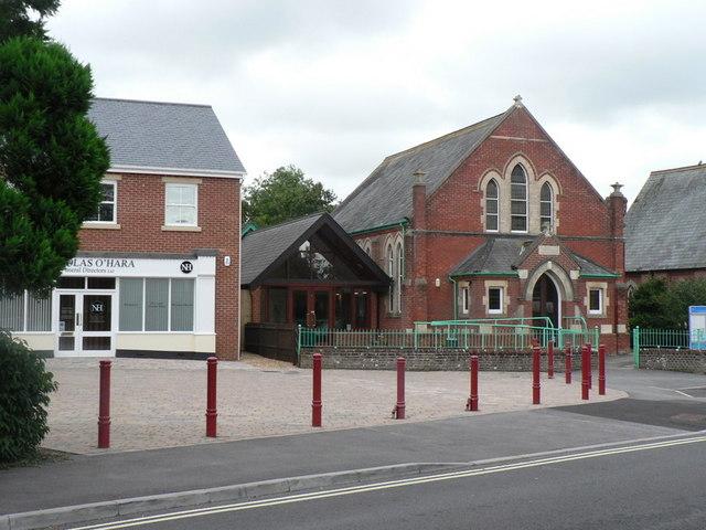 File:Verwood, United Reformed Church - geograph.org.uk - 953586.jpg