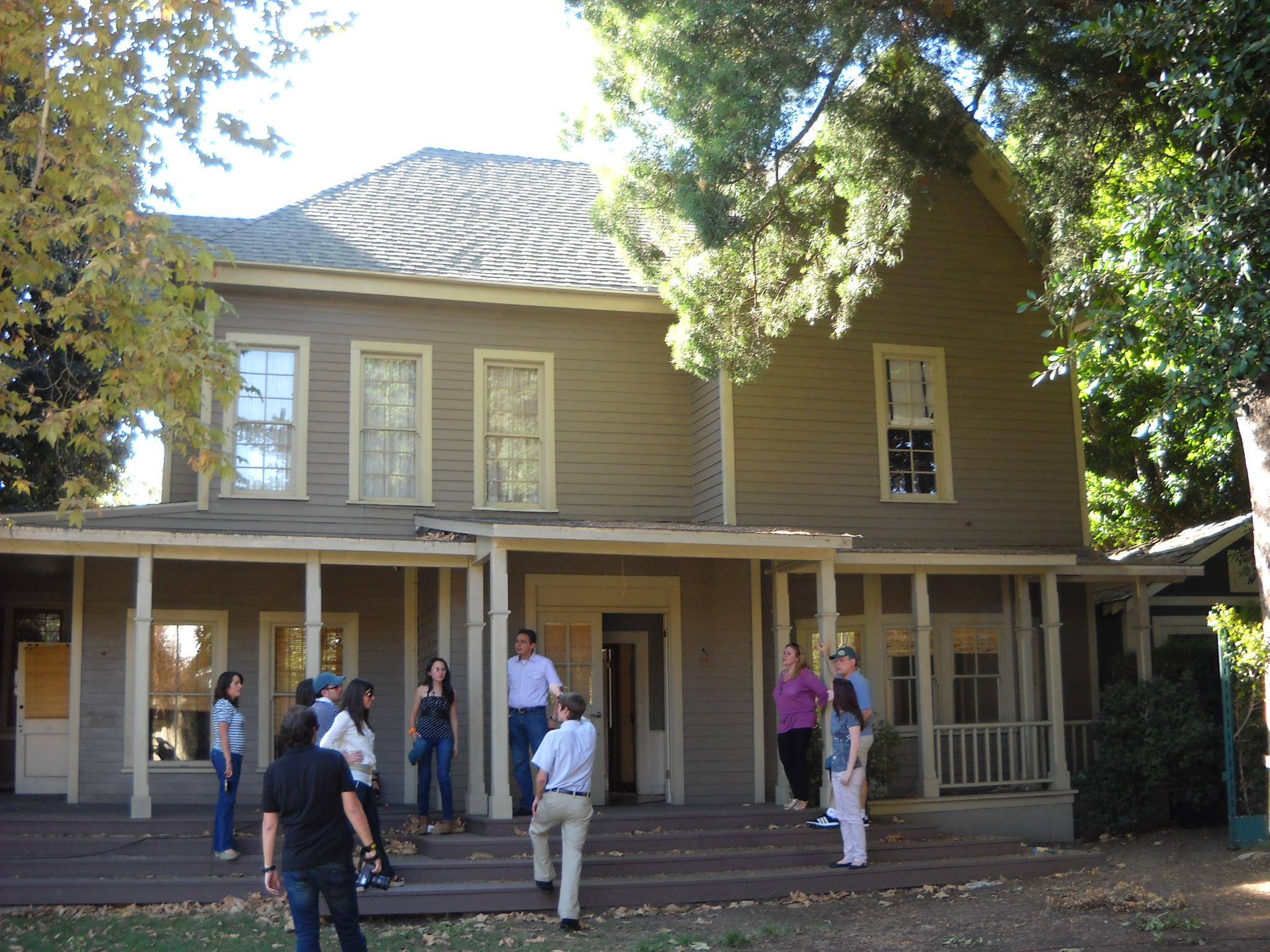 File Warner Bros Sets Lorelai Gilmore Home 6196359373