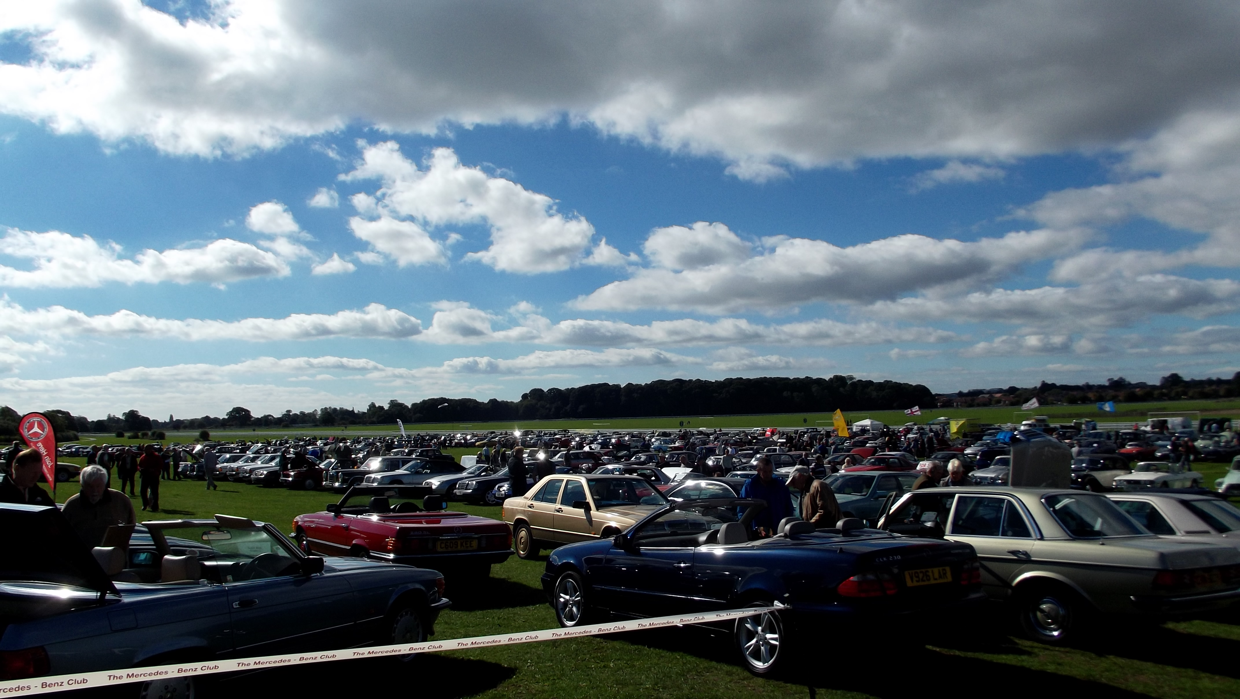 FileYork Race Course Classic Car Show Jpg Wikimedia - Classic car show york