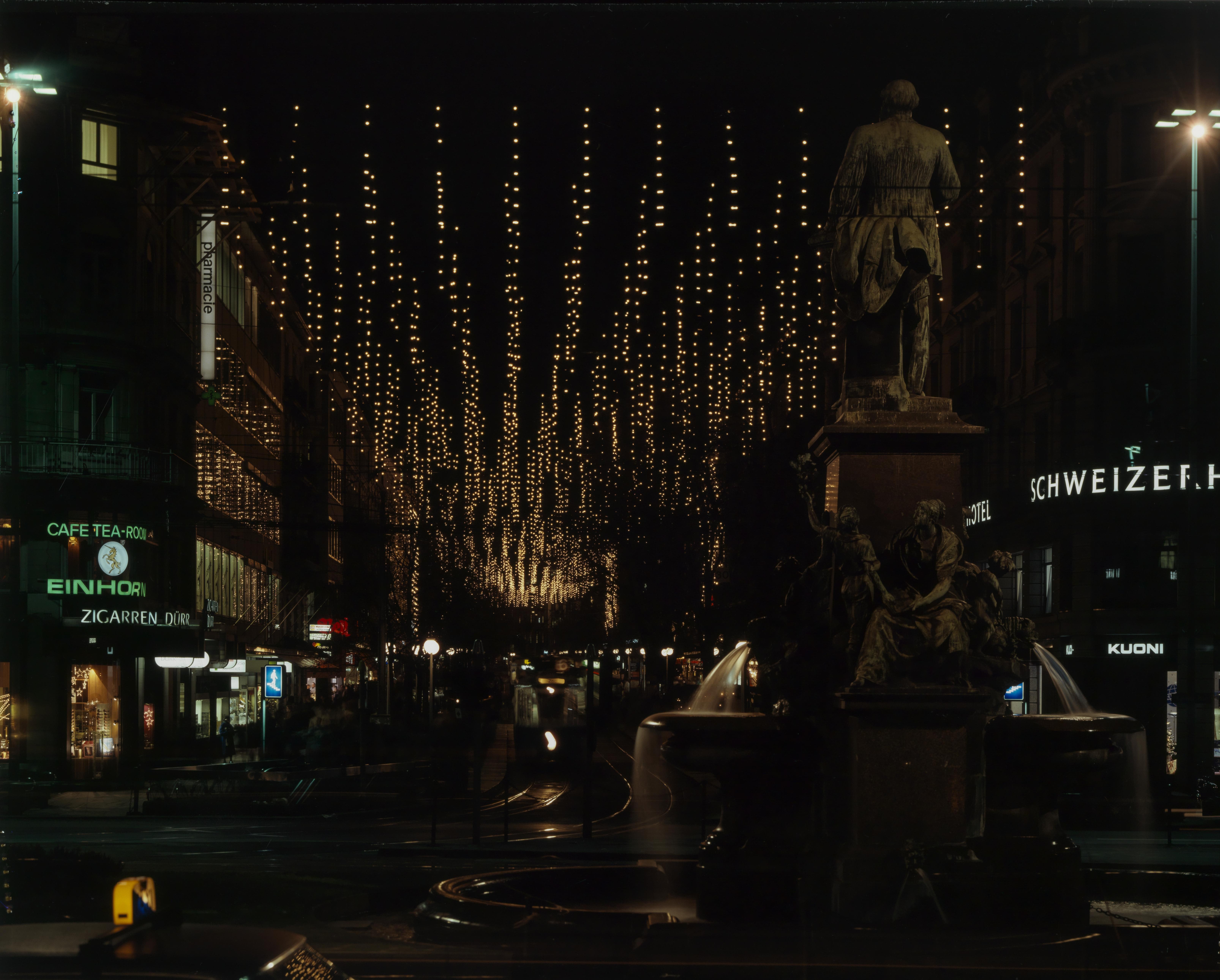 Zürich Weihnachtsbeleuchtung.File Zürich Bahnhofstrasse Weihnachtsbeleuchtung 1979 Jpg