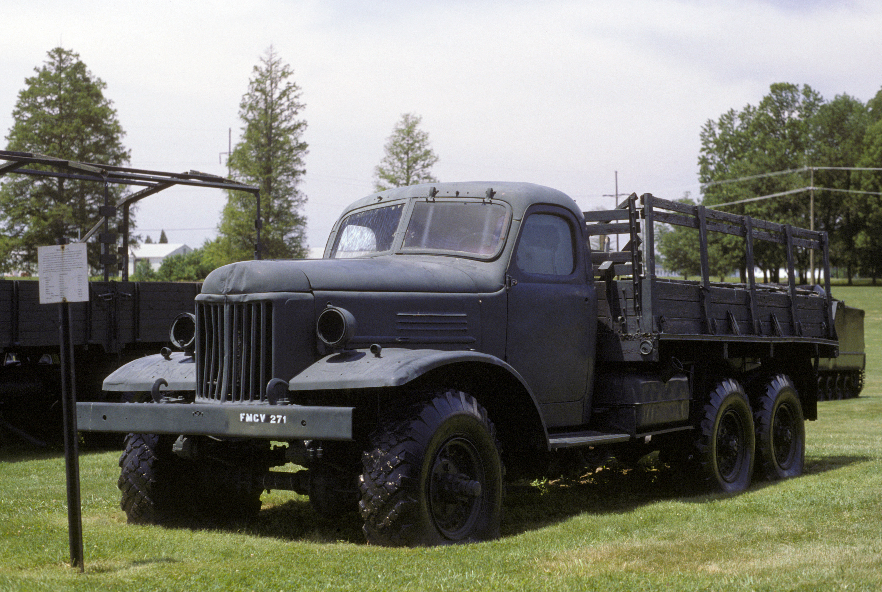 File:ZiL-157 truck on display ...