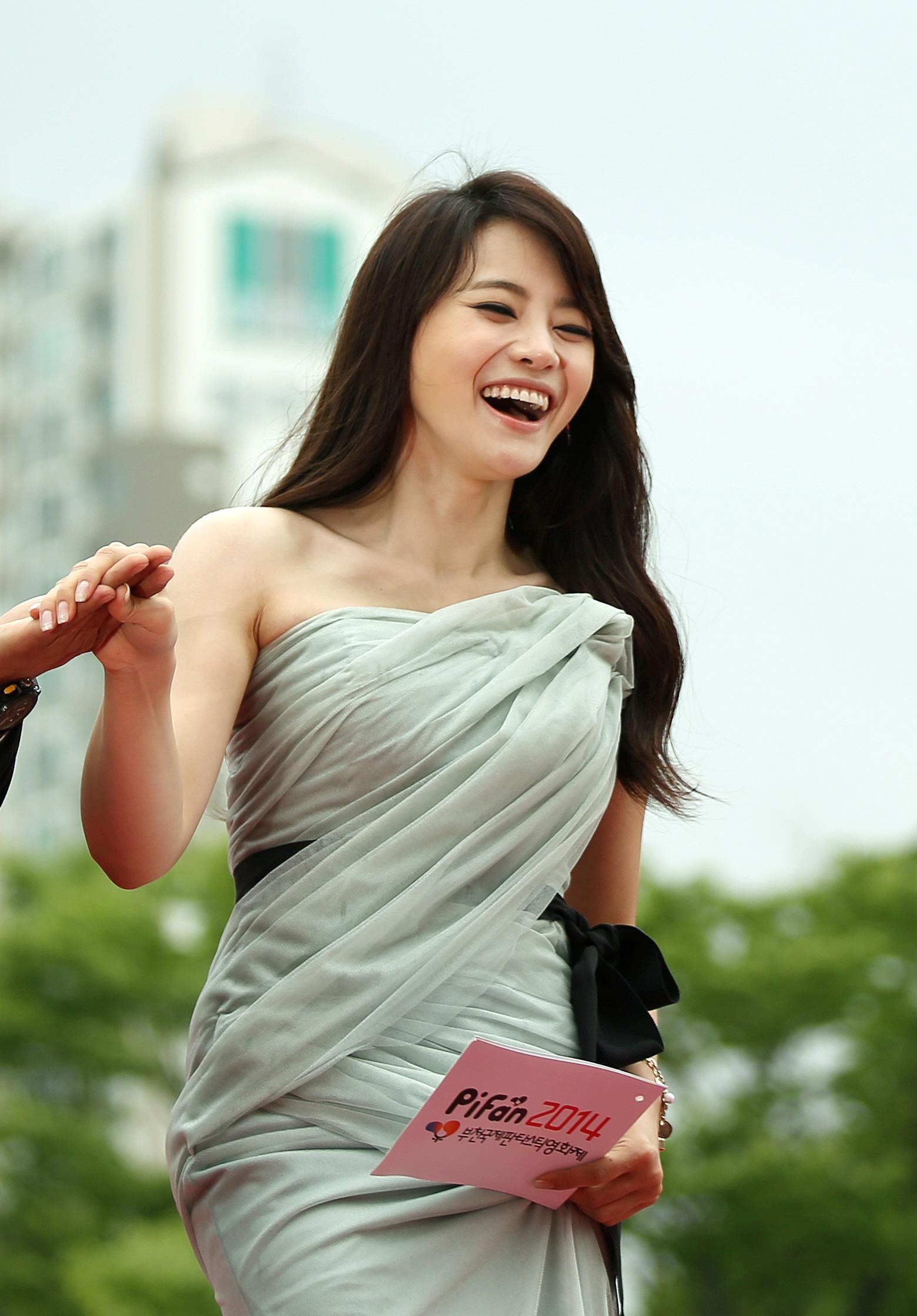 File:18th Puchon International Fantastic Film Festival - MC Seo Yuri (2).jpg
